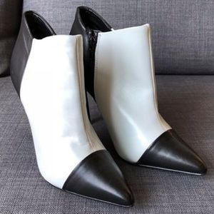 Shoemint Black & White Ankle Heeled Bootie